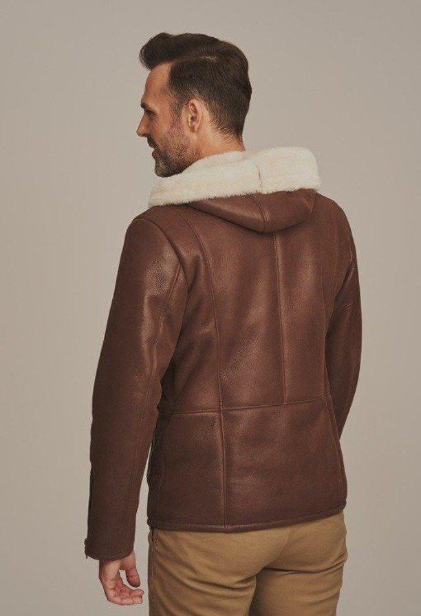 Lammeskinn jakke med hette