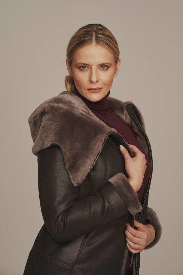 Płaszcz kożuch damski z kapturem naturalny