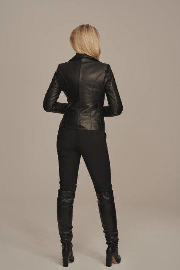 Dámska čierna kožená motorkárska bunda