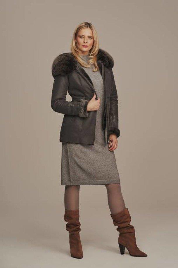 Dámska zimná bunda s kapucňou
